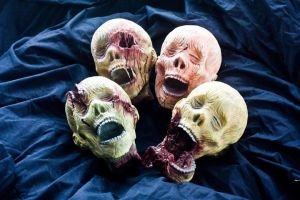 Pile o' Zombie Heads by FoxH