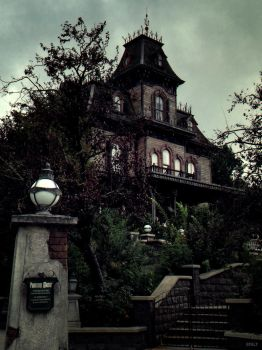 Phantom Manor by Efalt