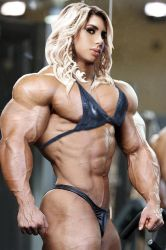 Blondes Have More Muscle by Morphdogen