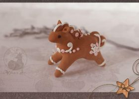Ginger horse ornament by Keila-the-fawncat