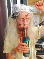 behind the scenes: zombie with energydrink.... by Andr345R