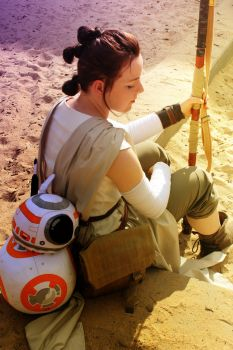 Rey and BB-8 Cosplay by EmperorSteele92