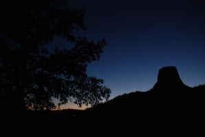 Devil's Tower at Dusk by tylerrobinson