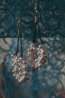 earrings: grapes of silver by Margotka