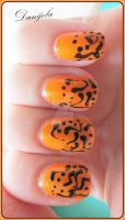 Simple Halloween nails by Danijella