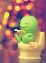 Christmas with toilet shaking toys..haha by mo-ten