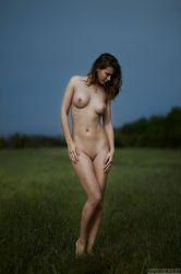 nude by Naydy