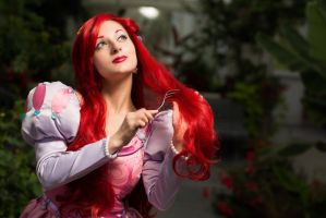 Ariel - The Little Mermaid - Amazing hairbrush! by LadyRoseTea