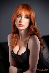 Lisa Foiles 8 by bayola