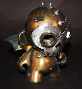 Skully Robot Munny-01 by Harris-Built