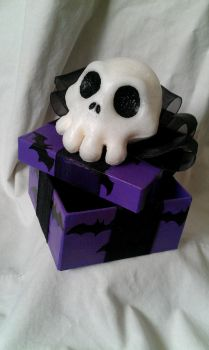 Nightmare Before Xmas themed Gift box - Purple by Riskyo
