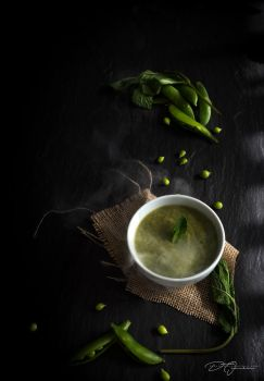 Pea and Mint Soup... by DeoIron