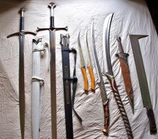 Weapons of Middle Earth by phantomphreaq