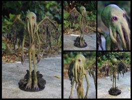 Cthulhu paper mache and paper clay figure by Lauramei