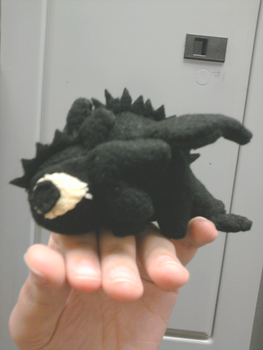 Prototype Plushie - baby nightfury by Aemi