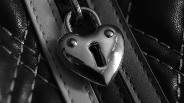 BW Locket by CherryIda
