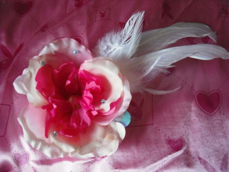 flower feather hair piece by halogirlie
