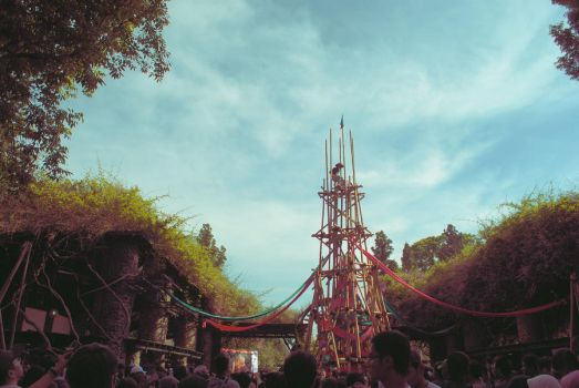 bamboo tower by warmsupper