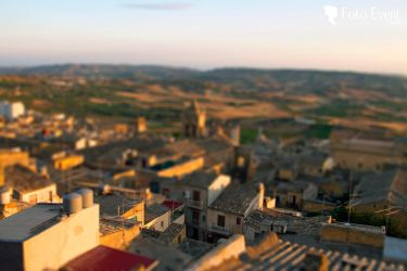 Tilt-shifting by Trifase