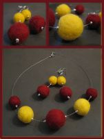 Felt necklace and by Amaltheea by Timisoara