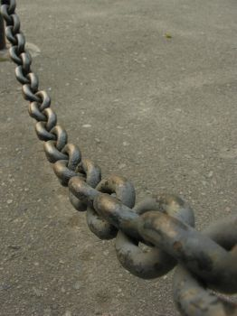 Chain 8 by macro-photo