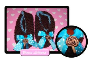 Brwn lollipop slippers by Erikor