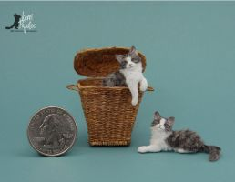 Miniature Kitten sculptures of polymer and fiber by Pajutee