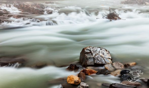 Rocks and Water by fweddy
