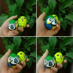 Parrot easter eggs by Dayssi