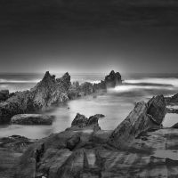 Jagged Rocks by Hengki24