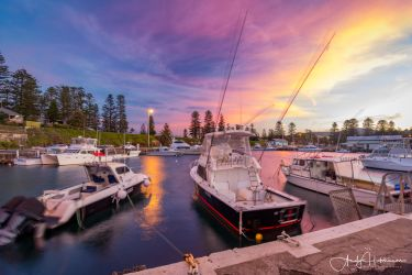 Kiama Harbour by andyhutchinson