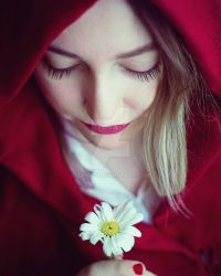 Red and white lonely by zahrey
