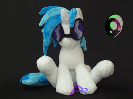 Vinyl Scratch CSV1 Glow-in-the-Dark by kiashone
