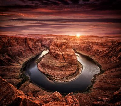 The Horseshoe Bend by Durdenyr