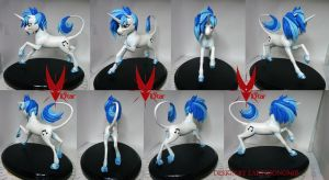 Vinyl Scratch by VIIStar