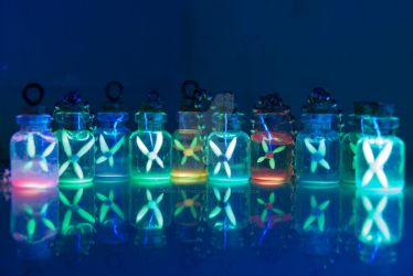 Glowing Fairy Bottles, Inspired by Legend of Zelda by IvrinielsArtNCosplay