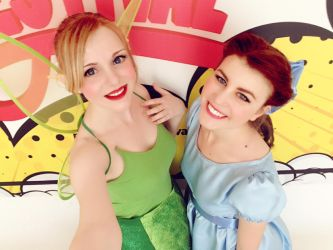 Tinkerbell and Wendy @ Roma Cartoon Festival by GlowingSnow