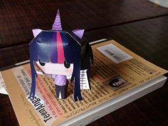 Twilight Sparkle Papercraft by xcmer