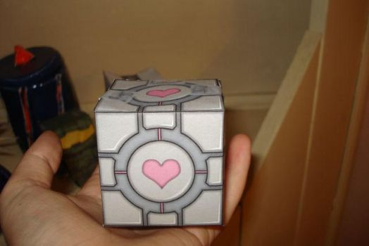 Companion Cube Papercraft by NickelTier