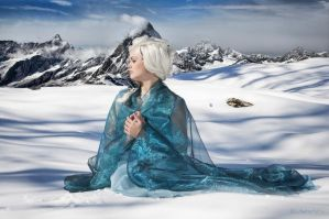 Elsa Frozen Cosplay - here I'll stay.. by WhiteRavenCosplay