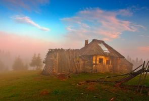 Old Hut. by lica20