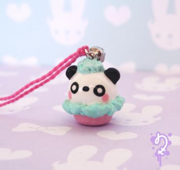 Critter Cupcake: Panda by Nocty