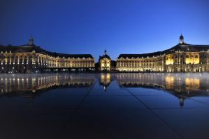 Bordeaux at Night by ymmijofmyself