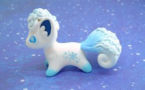 Alolan Vulpix (Hearty figurine)