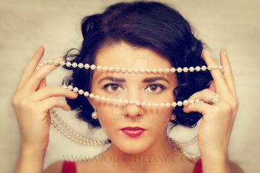 Pearls with Elizabeth Taylor by SoniaJosie