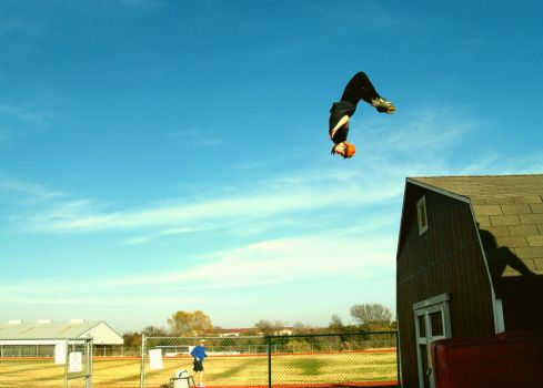 Parkour Shed Flip by toyflamethrower1