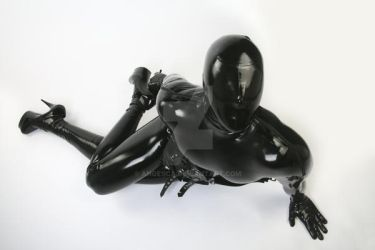 PerfectInsanity in total enclosure latex by Ange1ica