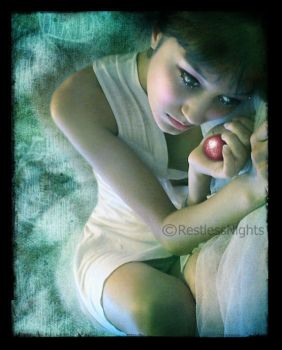 Poisoned Apple by RestlessNights