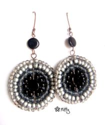_Black 'n' silver circles by kitica