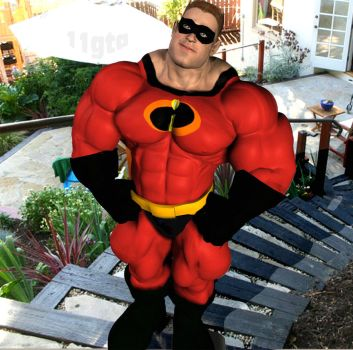Mr Incredible by GreysonFurrington